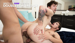As they arrive at their weekend resort, Dakota Young hopes the atmosphere will help boyfriend Scotty Zee to loosen up a little and have some fun, and